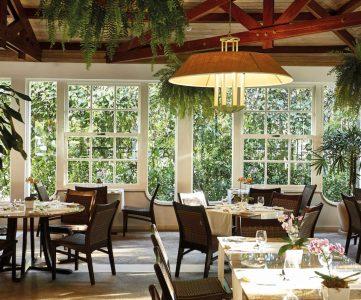 dining room at hotel
